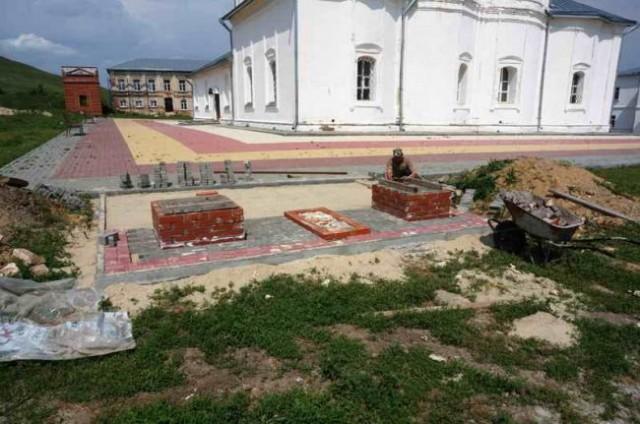 Реставрационные работы в монастыре